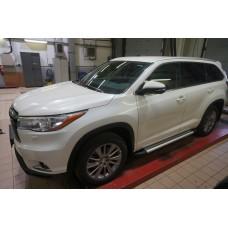 Пороги алюминиевые (Brillant) Toyota Highlander (Тойота Хайлендер) (2014-) (серебр)