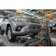Решетка радиатора Toyota Hilux (2015- ) d16