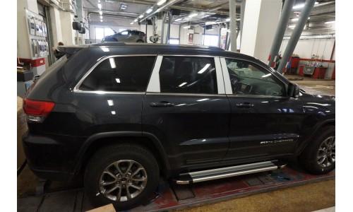 Пороги алюминиевые (Brillant) Jeep Gr. Cherokee (2011-) (серебр) (кроме SRT) на Jeep Grand Cherokee (2014-2016)