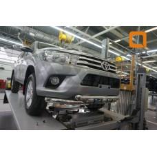 Защита переднего бампера Toyota Hilux (2015-) (двойная Shark) d76/76