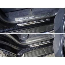 Накладки на пороги с гибом (лист зеркальный логотип Toyota) 4шт код TOYLC200EX16-40
