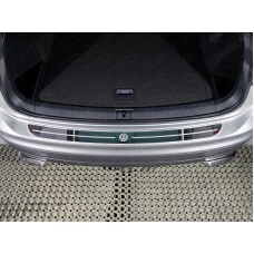Накладка на задний бампер (лист зеркальный логотип VW) код VWTIG17-42