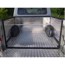 Защитный алюминиевый вкладыш в кузов автомобиля на пластик (дно, борт) код UAZPIC2016-06