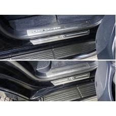 Накладки на пороги с гибом (лист шлифованный логотип Toyota) 4шт код TOYLC20015-34